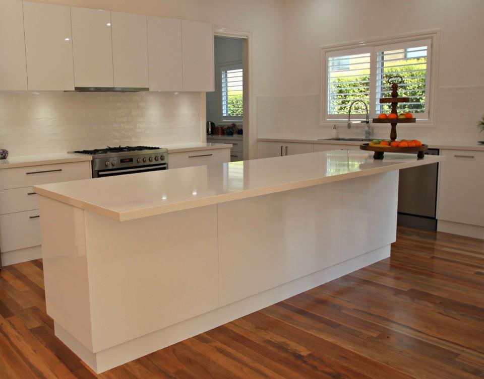 Modern Ballarat White Kitchen Cabinets  Matthews Joinery