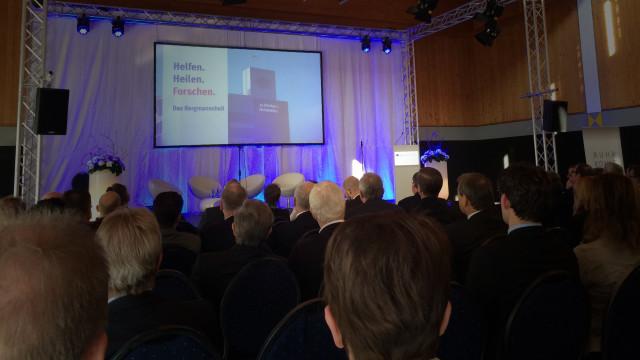 Momentaufnahme bei der Uraufführung des neuen Imagefilms des Bergmannsheils in Bochum. 200 geladene Gäste inklusive Bundesmininster sind beeindruckt.