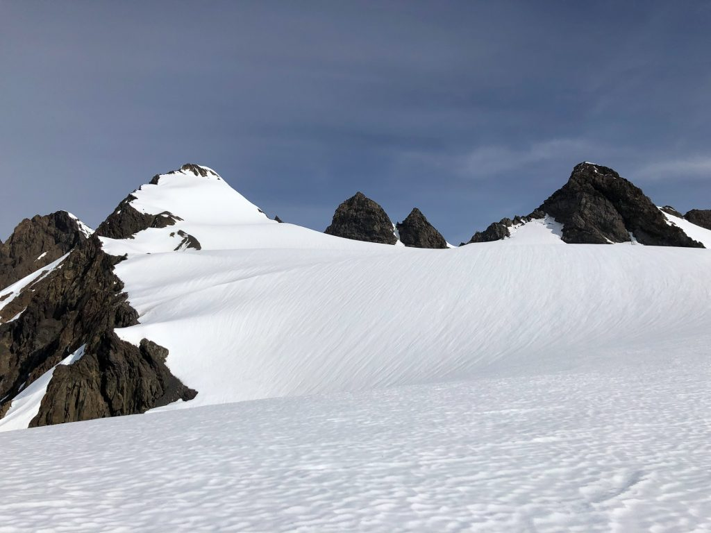 Looking at the middle summit from the Hoh glacier.