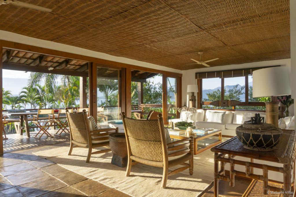 Carrossel aluguel de casas de luxo Villa04 em Angra dos Reis Rio de Janeiro 6