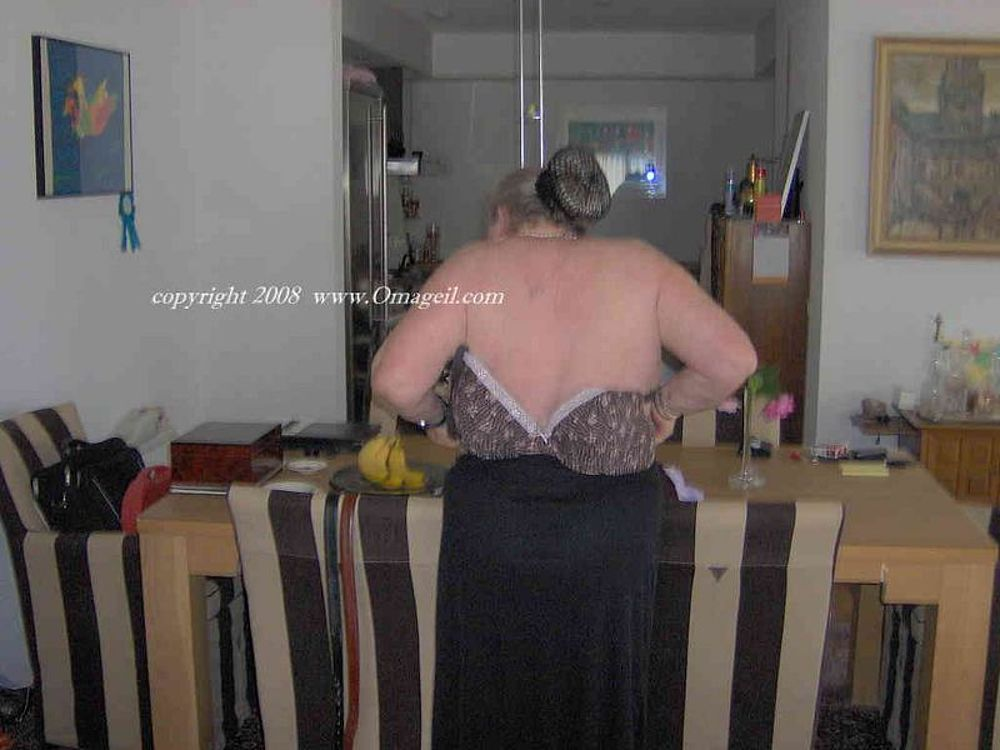 OmaGeilcom  Exclusive Granny Porn  MatureKingdomcom