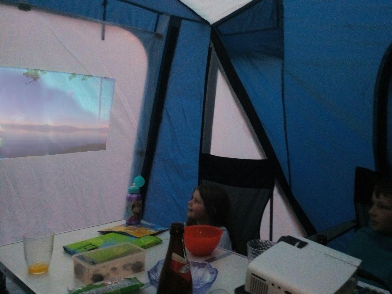 Kino Auf Dem Campingplatz | Matzaton