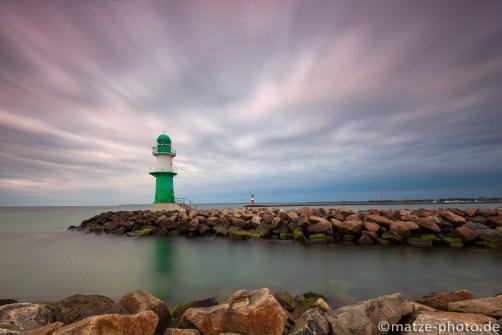 Leuchtturm-Warnemuende-Rostock-Ostsee-Fotos