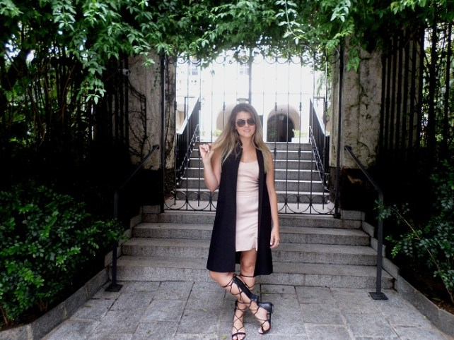 look_colete e vestido_maucha_coelho_red