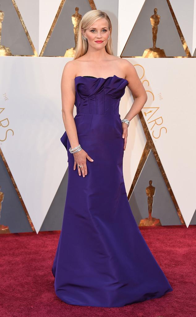 Reese Whiterspoon veste Oscar de La Renta