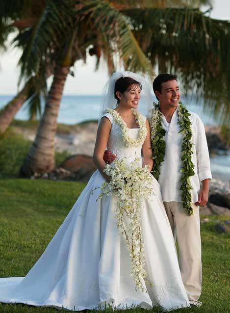 Hawaii Weddings by Tori Rogers LLC  Coordinators  Member of Maui Wedding Club