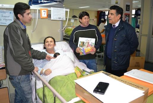 Seremi de Desarrollo Social entrega ajuares en Hospital Regional de Talca