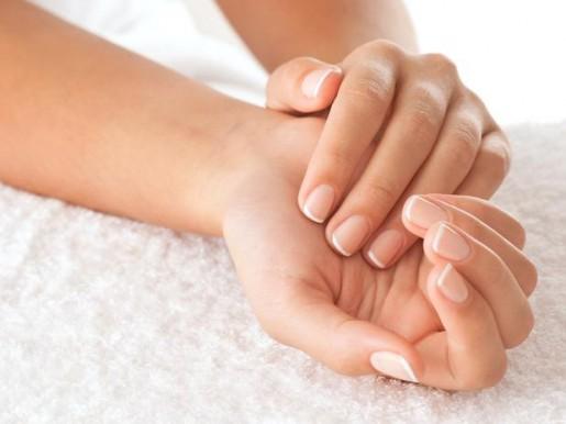 6 consejos perfectos para eliminar el color amarillento de tus uñas
