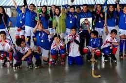 Con recursos SEP refuerzan segundo año de taller de hockey enCauquenes