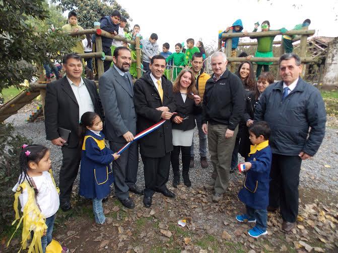 Colegio Rauquén Campo logra plaza de juegos con apoyo de ARAUCO