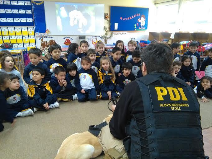 PDI Curicó conversó de bullyng con alumnos