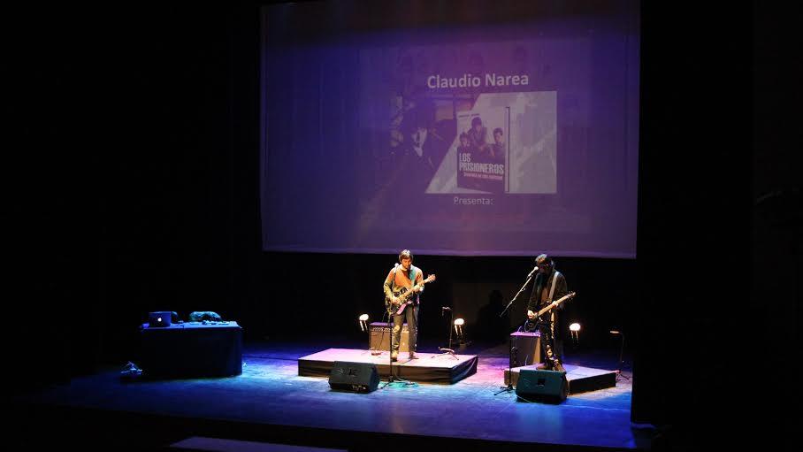 """Claudio Narea presentó oficialmente en el Maule su libro """"Biografía de una Amistad"""" además de un mini concierto acústico"""