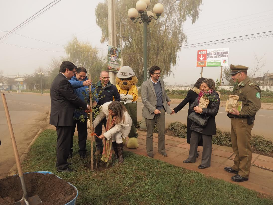 Firman convenio para arborizar Bypass de San Clemente en Día del Árbol
