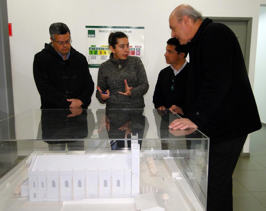 Municipalidad de Linares buscan agilizar el proyecto restauración de Parroquia Corazón de María