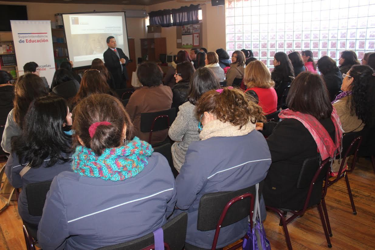 Superintendencia de Educación inicia encuentros con Consejos Escolares de la Región en Romeral