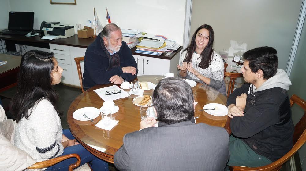 Exitoso diálogo por la educación entre estudiantes y autoridades