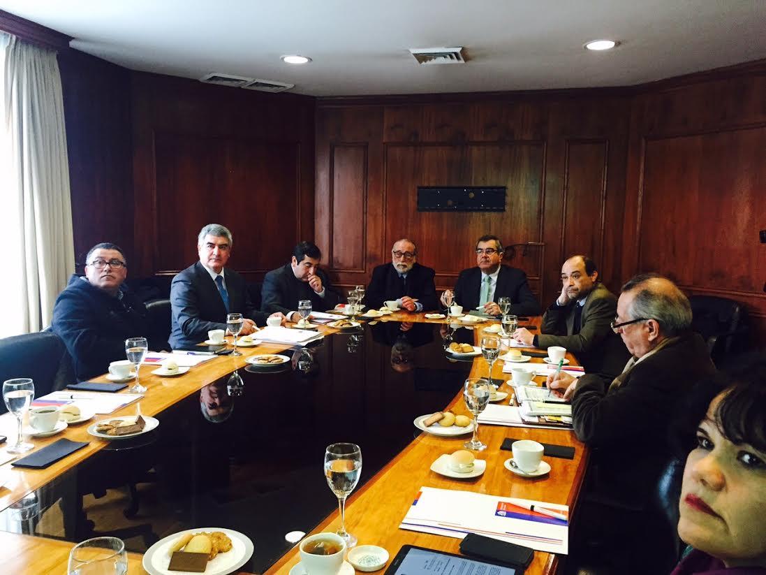 Autoridades validan primeras carreras de CFT estatal de Linares