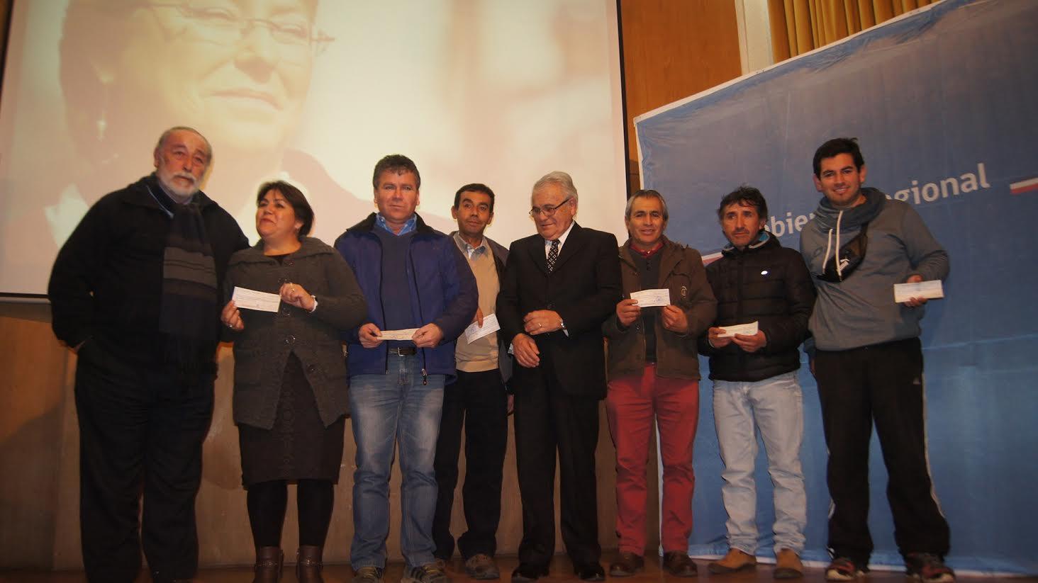 Autoridades entregan más de $170 millones a 51 iniciativas deportivas de la Provincia de Linares