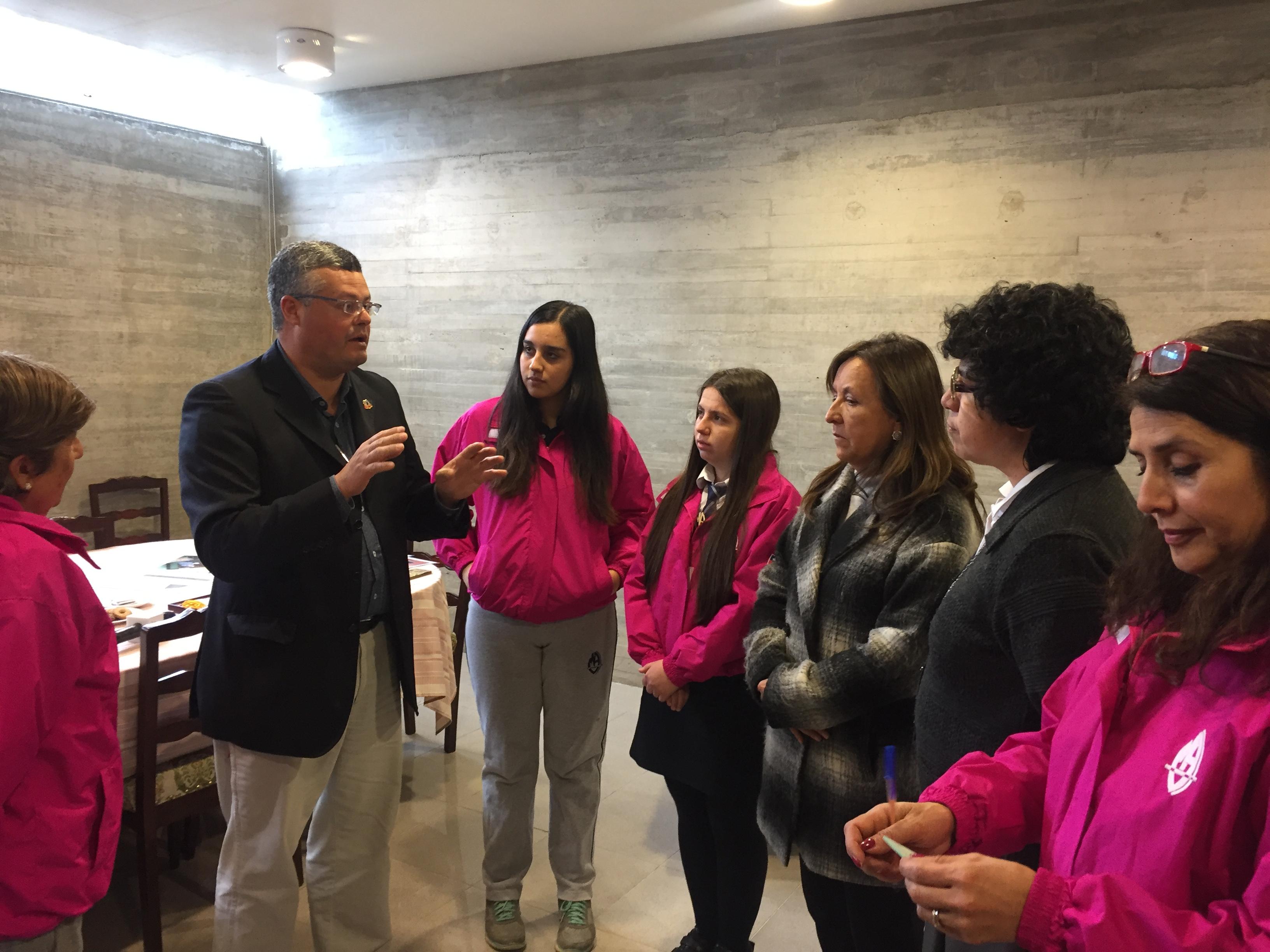 Alumnas de Linares viajan a Paraguay con proyecto de reciclaje