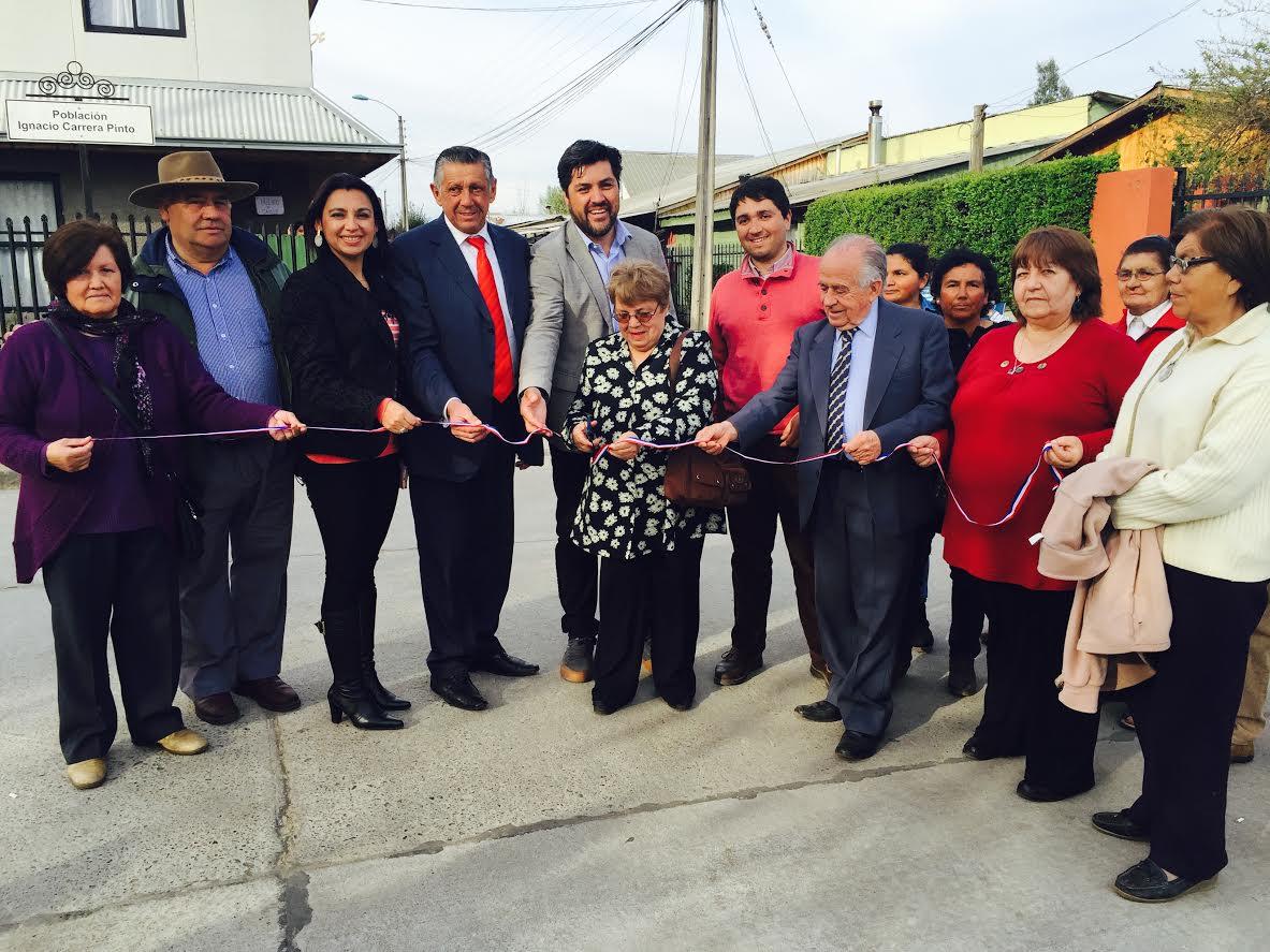 Después de treinta años familias de Rauco cuentan con pavimentación en emblemática población que conecta al CESFAM