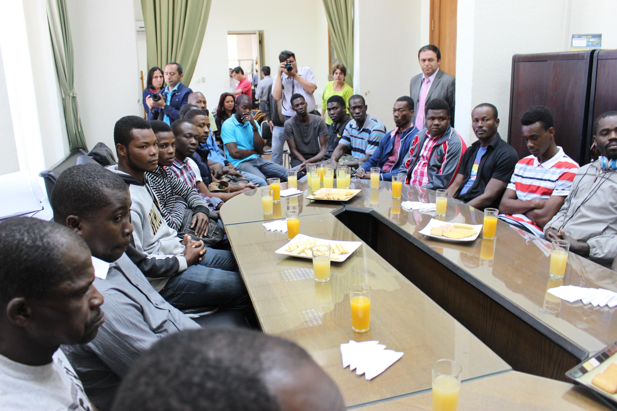 Gobierno entregó Tarjetas de Trabajo a 21 ciudadanos haitianos que residen en Longaví