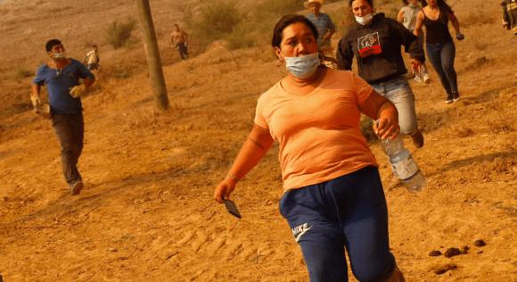 Vecinos relatan dramática situación en Hualañé: Estamos rodeados completamente de fuego