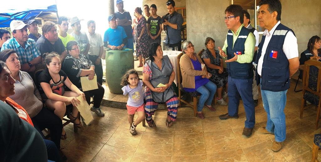 Ministro Barraza se reúne con familias beneficiarias del Bono Enseres en la región del Maule