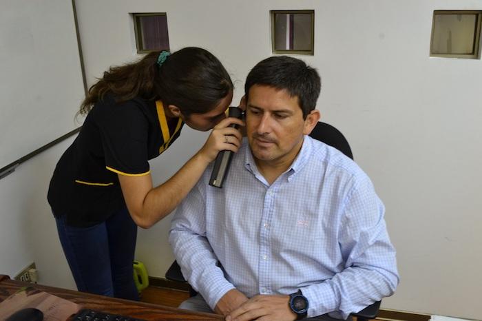 Fonoaudiología de la U. Autónoma realizó examen para detectar patologías auditivas