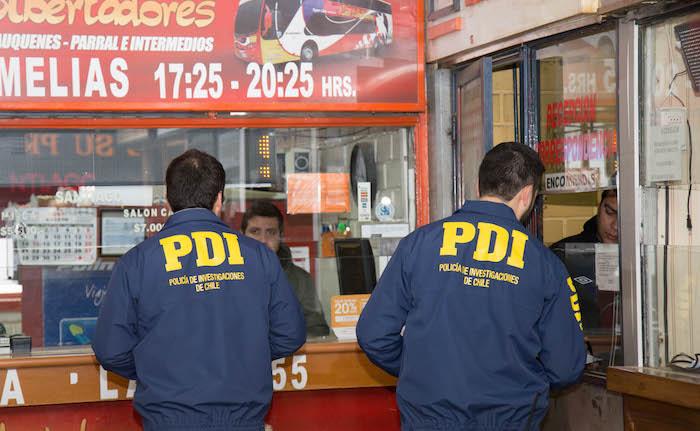 """PDI Talca lanzó campaña """"No Compres Robado"""" en terminal de buses"""