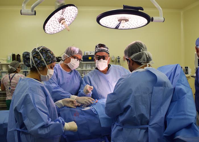 Hospital de Curicó y Fundación Mater realizaron importante operativo quirúrgico infantil