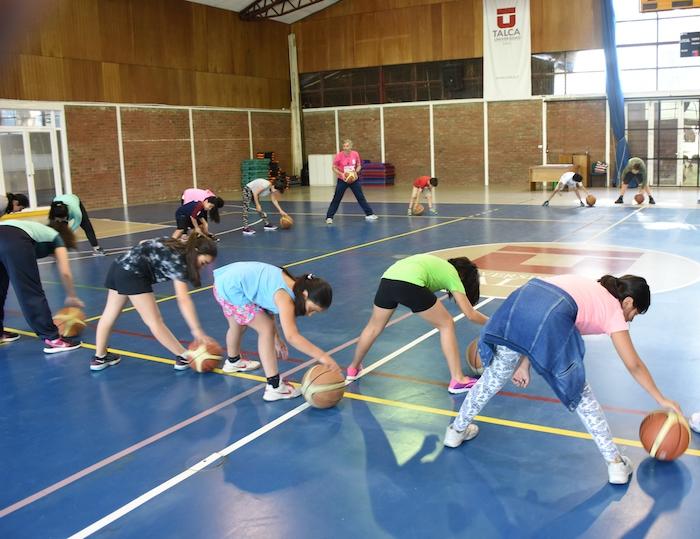 Más de 300 niños comenzaron a disfrutar de las Escuelas Deportivas de Verano de la UTALCA