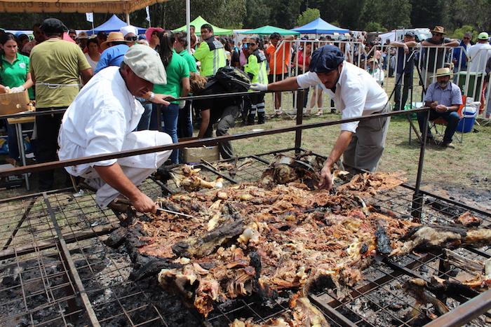 """Más de 3 mil personas disfrutaron del """"mejor asado de vaca al estilo argentino"""""""