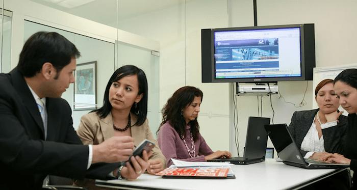 Clínica Empresarial fortalecerá vinculación con pymes del Maule Sur