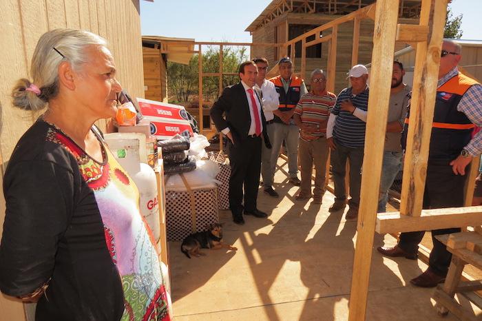 En Unihue ONEMI entrega viviendas de emergencia