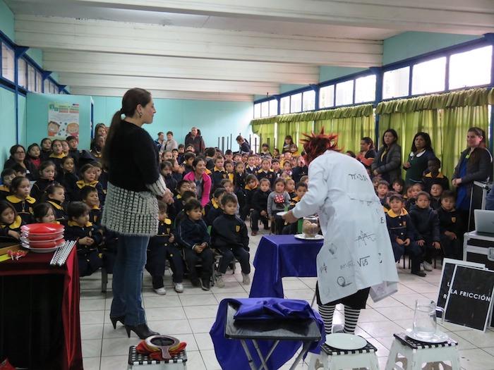 Fondo de Cultura permite que la Magia de la Ciencia recorra los colegios de Curicó