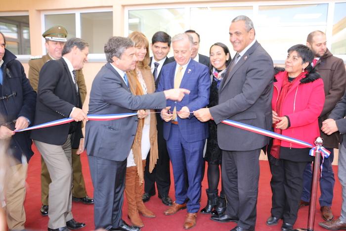 Ministro de Salud inauguró Cesfam de Teno en visita a la región del Maule