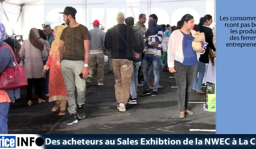 Des acheteurs au Sales Exhibtion de la NWEC à La City