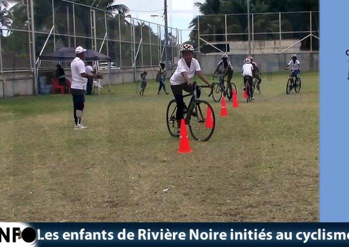 Les enfants de Rivière Noire initiés au cyclisme sportif
