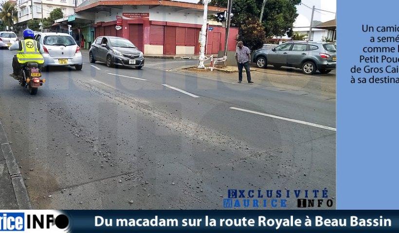 Du macadam sur la route Royale à Beau Bassin