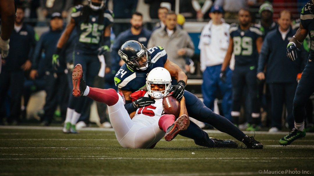 LB Bobby Wagner tackles Cardinal player