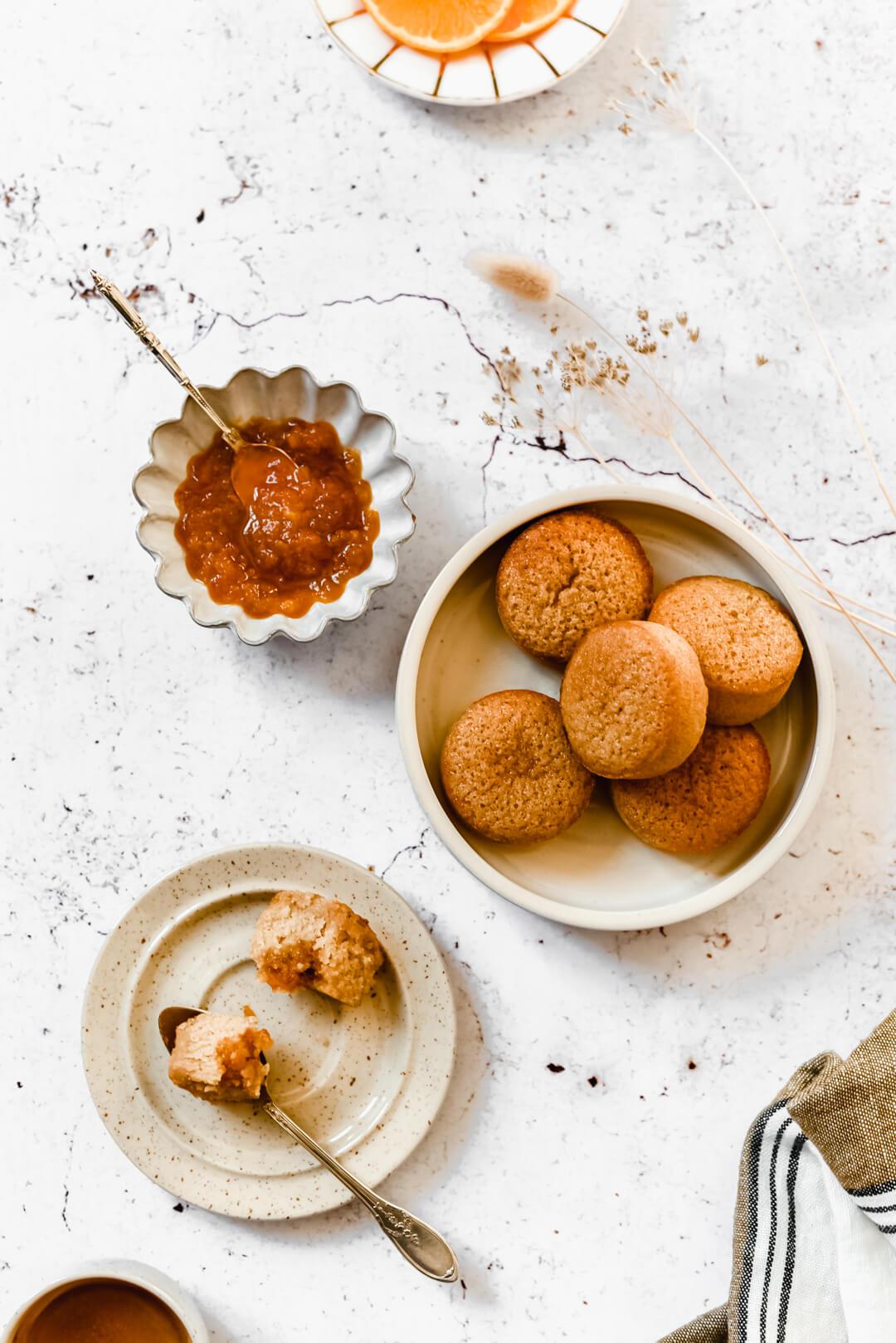 Petits gâteaux et marmelade