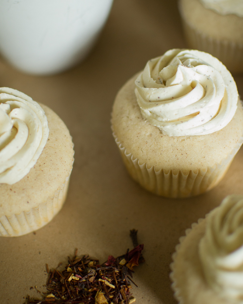 white chocolate chai spice cupcakes