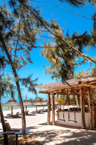 Ile aux cerfs beach cabana Sun resorts