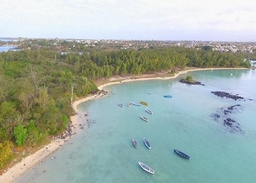Butte a l'herbe beach in Mauritius