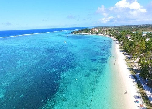 Palmar beach in Mauritius is on the east coast and is a very popular tourist destination. A few hotels are in the area such as Veranda Palmar and Lux Belle Mare