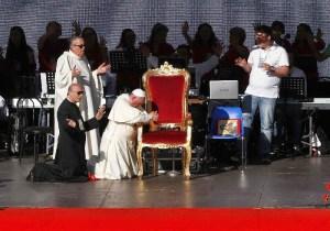 "La Chiesa s'inginocchia al ""Mondo""?  Anzi, mondialismo."