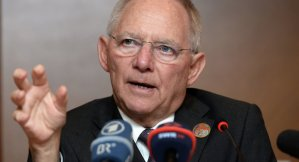 """Schäuble: """"Immigrati per migliorare la razza"""". E altre tedescate."""