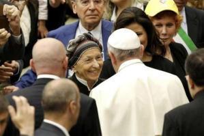 """Col """"perdono all'aborto"""", El Papa autorizza la persecuzione dei medici obiettori."""