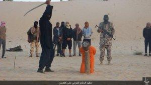 Isis  decapita uno sceicco Sufi di 98 anni