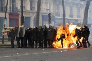Fra Macron e Le Pen, forse vince Mélenchon  (o  l'Insurrection)